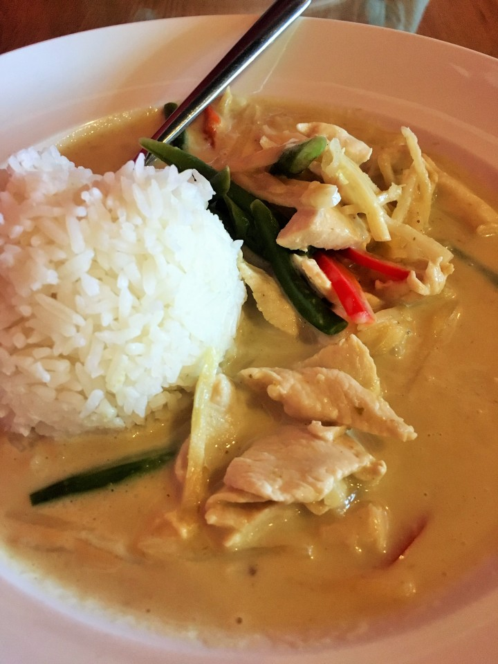 Green curry with chicken and white rice at Tara Thai in El Paso.