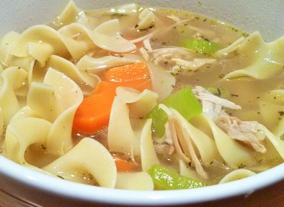 My second favorite way to eat Thanksgiving leftovers... Turkey & Noodle Soup.
